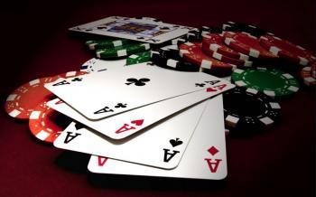Kortteja ja pelimerkkejä